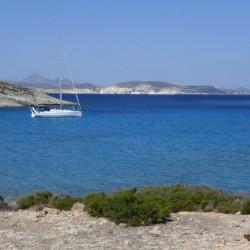 Charter Cicladi la barca vela dalla spiaggia