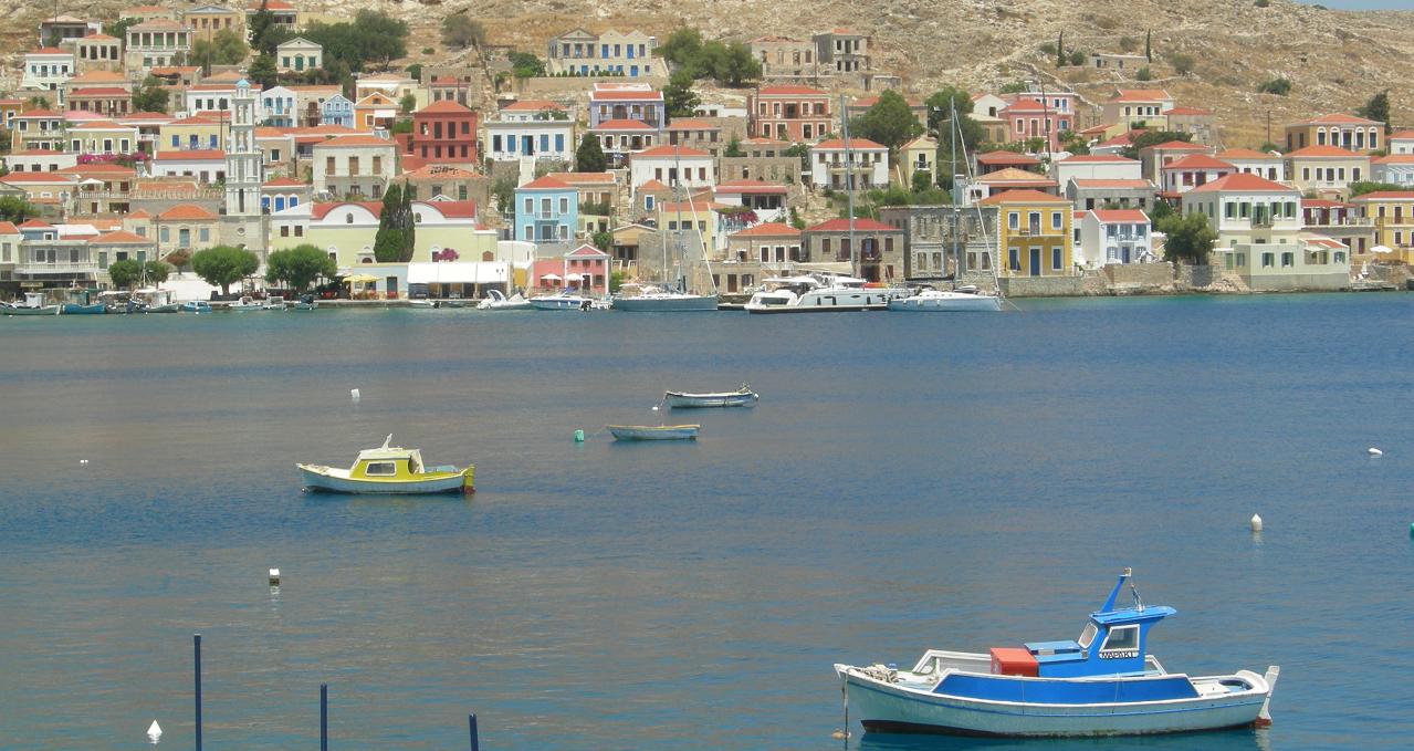 In barca vela in Dodecaneso