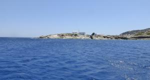 Charter in barca vela il Monastero di Sifnos