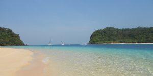 Thailandia korok dalla barca vela