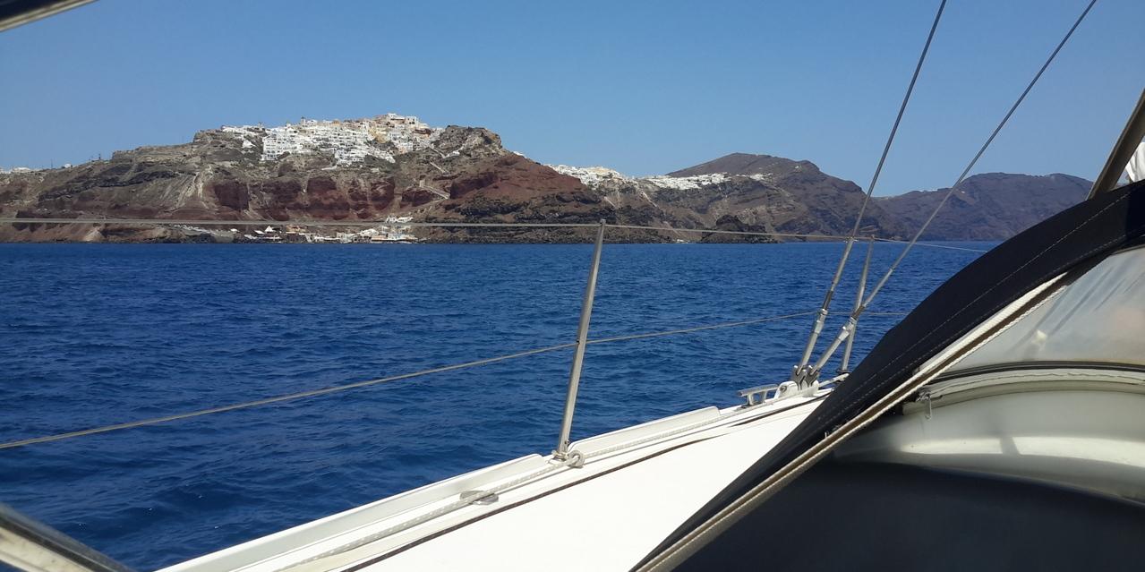 barca a vela Santorini